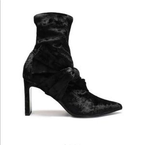 NWOT Sigerson Morrison velvet booties